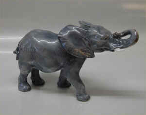RC1771Elephantb.jpg (112677 byte)
